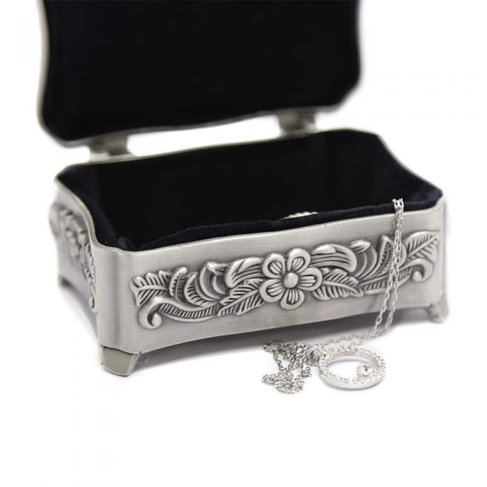 rose-carving-princess-jewellery-box-6