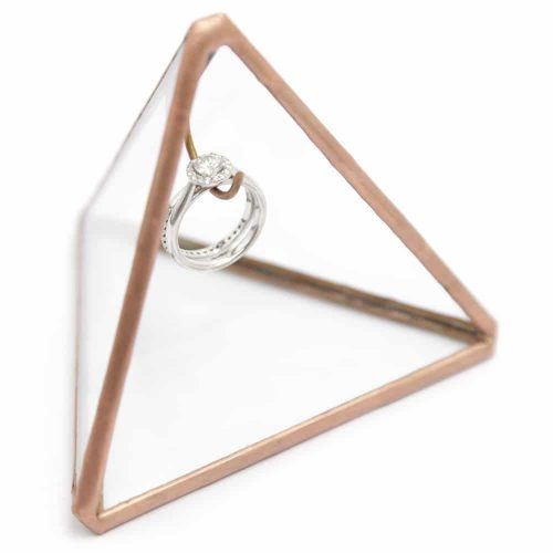 triangle-ring-holder-2
