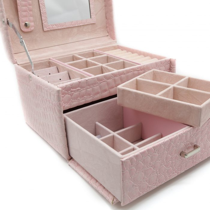 soft-pink-luxury-jewellery-box-3