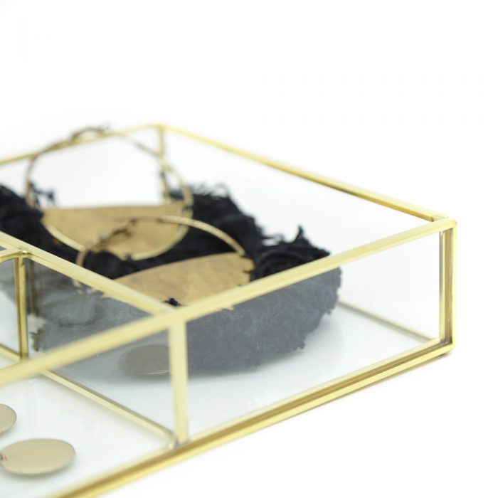 premium-four-section-glass-tray-3
