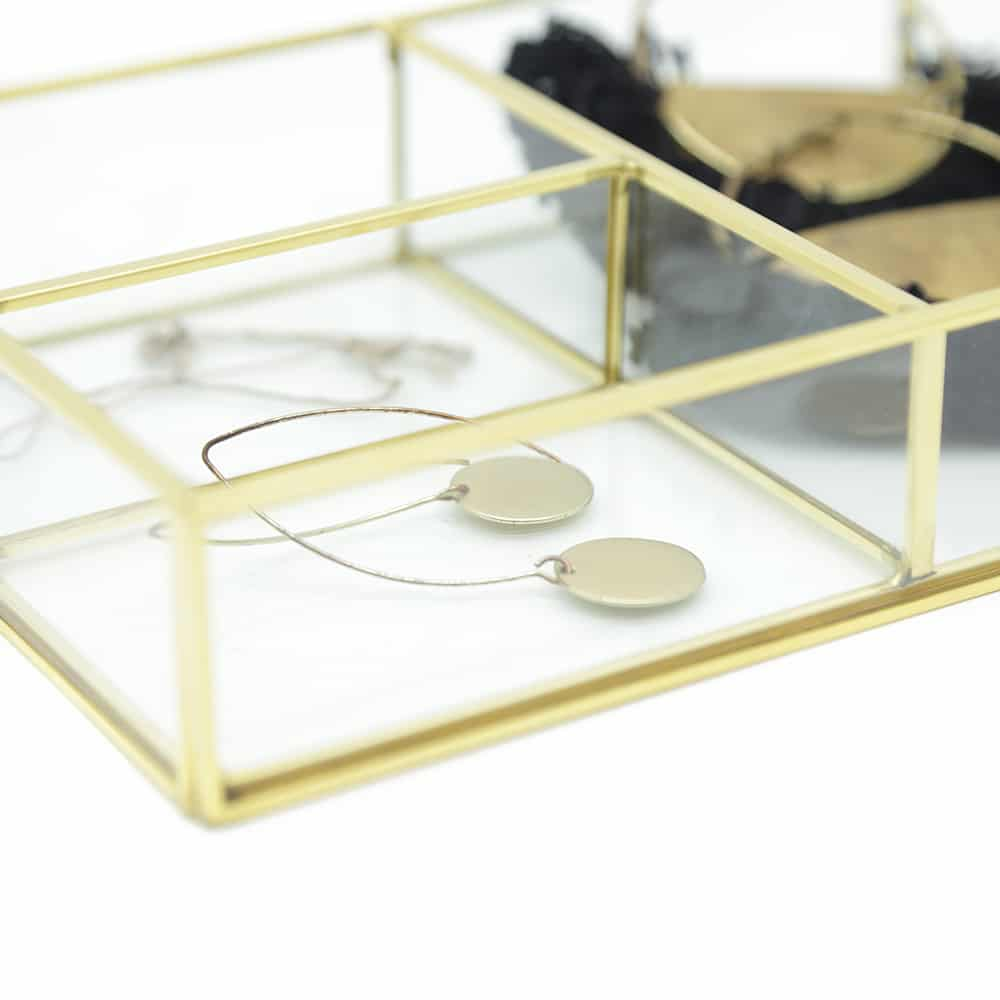premium-four-section-glass-tray-4